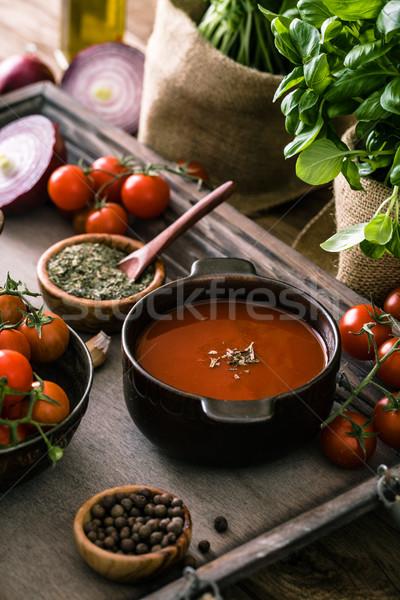 Sopa de tomate madera casero tomates hierbas especias Foto stock © mythja