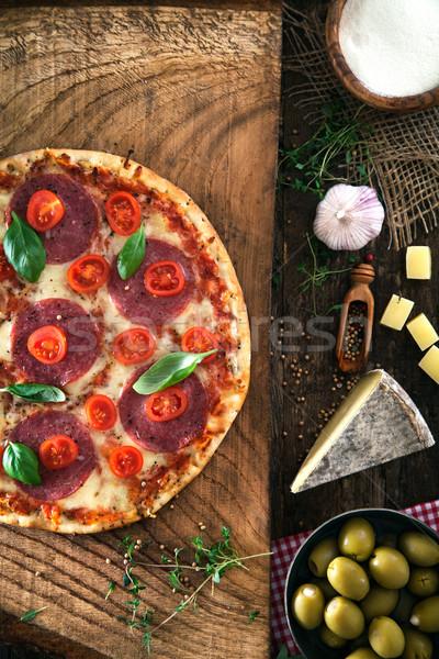 Stok fotoğraf: Taze · pizza · ahşap · İtalyan · peynir · salam