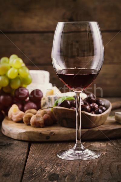 Stockfoto: Rode · wijn · kaas · vers · snacks · hout · restaurant