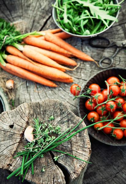 Foto stock: Legumes · fresco · orgânico · comida · alimentação · saudável · madeira
