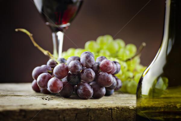 Vino alimentos beber vino tinto frescos uvas Foto stock © mythja
