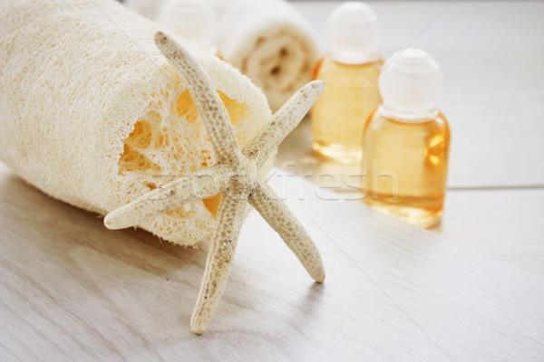 Fürdő szépségipari termékek sampon fürdősó fa test Stock fotó © mythja