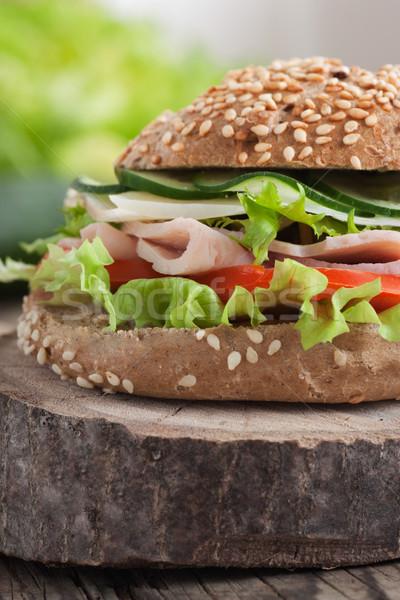 Finom szendvics sonka sajt szalámi zöldségek Stock fotó © mythja