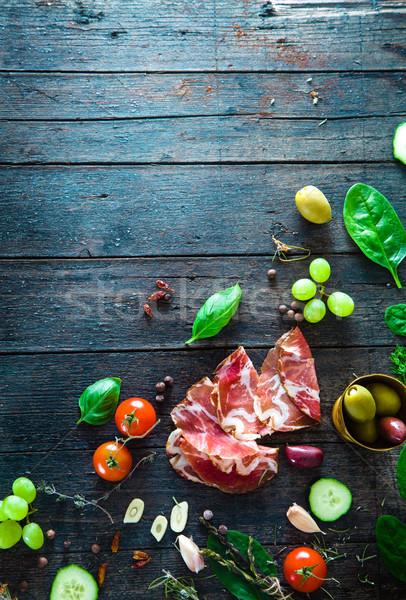 Italien jambon bois prosciutto salami ingrédients Photo stock © mythja
