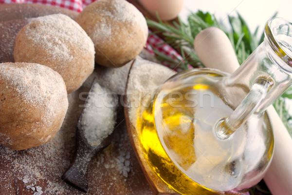 свежие пиццы яйцо оливкового масла травы Сток-фото © mythja