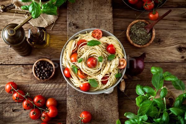 Pasta crema di pomodoro cucina italiana olio d'oliva aglio basilico Foto d'archivio © mythja