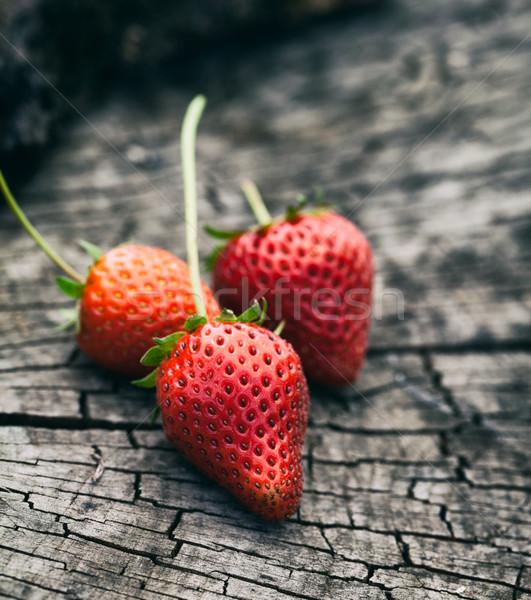 Fraise fraîches fraises bois fruits d'été fruits Photo stock © mythja