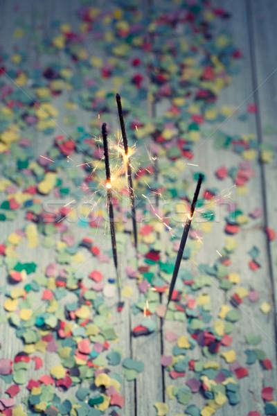 紙吹雪 燃焼 カラフル 木製のテーブル パーティ 歳の誕生日 ストックフォト © nailiaschwarz
