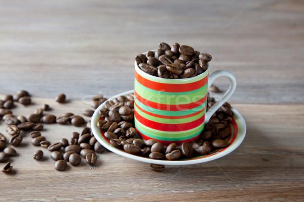 ストックフォト: コーヒー豆 · 縞模様の · カップ · 木製のテーブル · 愛 · ワイン