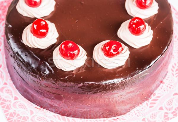 Házi csokoládés sütemény cseresznye tejszínhab absztrakt gyümölcs Stock fotó © nalinratphi