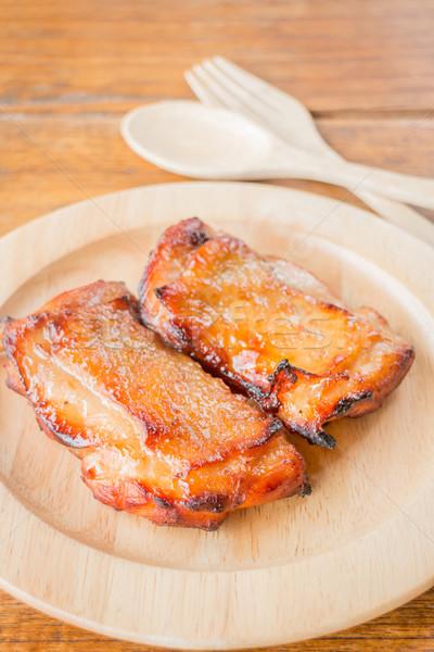 Tyúk grillezett steak fából készült tányér stock Stock fotó © nalinratphi