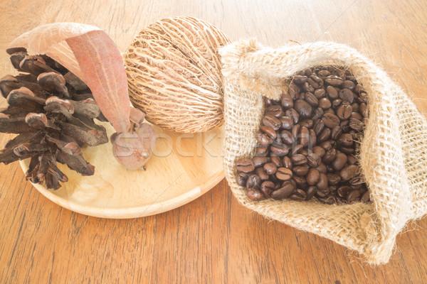 Kávé pörkölt bab fa asztal klasszikus stílus Stock fotó © nalinratphi