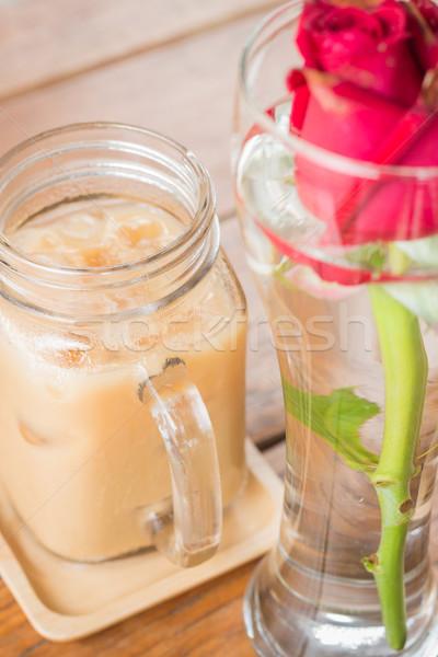 Ghiacciato latte caffè tavolo in legno stock Foto d'archivio © nalinratphi