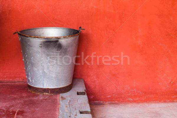 Kicsi alumínium tank lépés piros grunge Stock fotó © nalinratphi