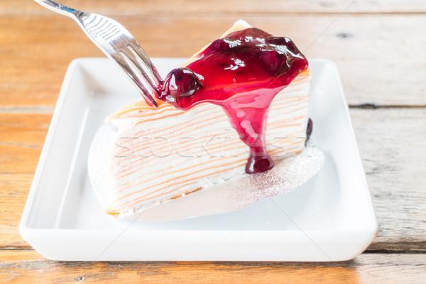 Saus slagroom crêpe cake voorraad Stockfoto © nalinratphi