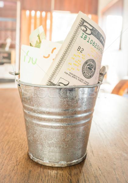 国際 通貨 銀行 注記 バケット 在庫 ストックフォト © nalinratphi