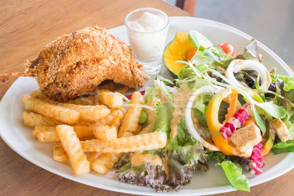Mély sültcsirke hús organikus saláta stock Stock fotó © nalinratphi