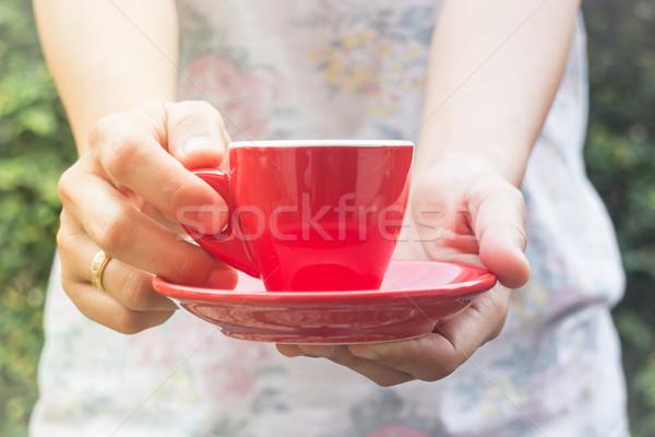 Hand Tasse Kaffee Jahrgang filtern hat Stock foto © nalinratphi