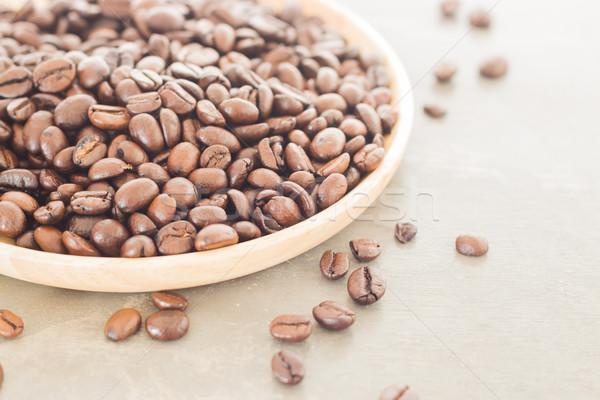 Kávébab fából készült tányér stock fotó étterem Stock fotó © nalinratphi
