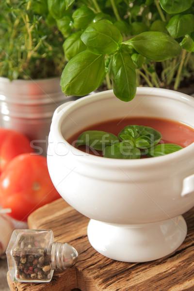 Zupa pomidorowa bazylia biały tablicy marmuru tle Zdjęcia stock © Naltik