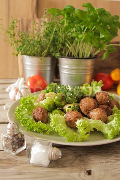 Köfte lahana marul fesleğen ahşap gıda Stok fotoğraf © Naltik