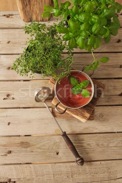 Zupa pomidorowa bazylia puli marmuru tle tabeli Zdjęcia stock © Naltik