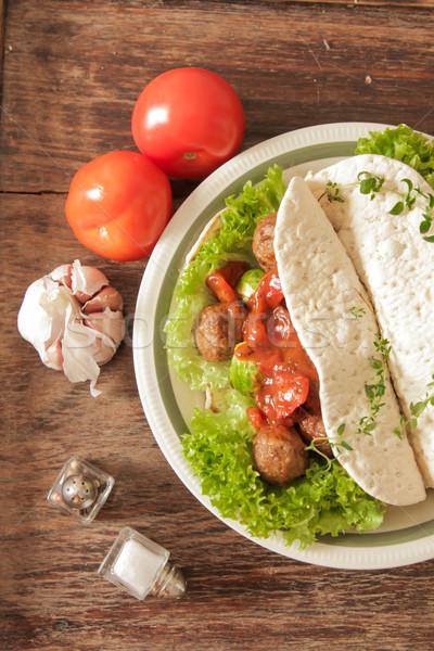Húsgombócok káposzta saláta pita kenyér fából készült Stock fotó © Naltik