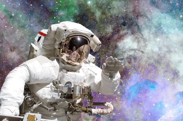 Ruimte exploratie astronaut communie afbeelding reizen Stockfoto © NASA_images