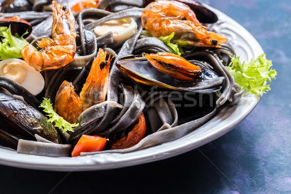 морепродуктов черный пасты креветок овощей яйцо Сток-фото © Natalya_Maiorova