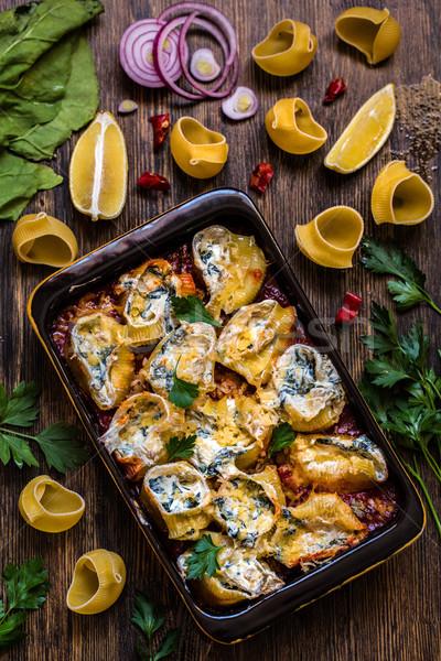Concha macarrão recheado espinafre creme queijo Foto stock © Natalya_Maiorova