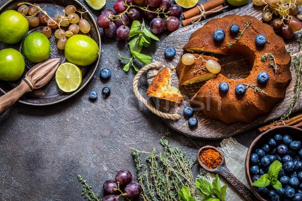 Torta cottura fresche mirtilli uve Foto d'archivio © Natalya_Maiorova
