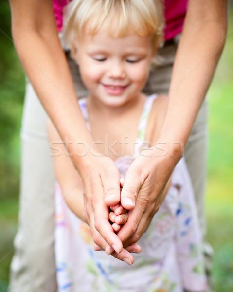 матери дочь улице девочку играет мамы Сток-фото © naumoid