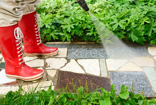 Magas nyomás mosás személy piros takarítás Stock fotó © naumoid