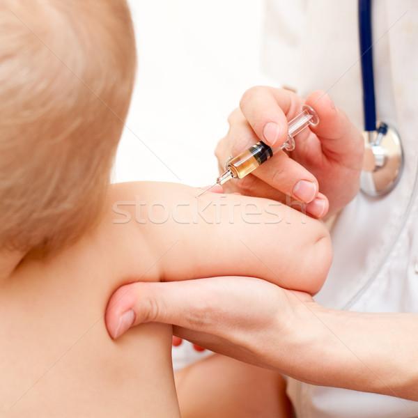 Stockfoto: Weinig · baby · injectie · arts · kind · arm