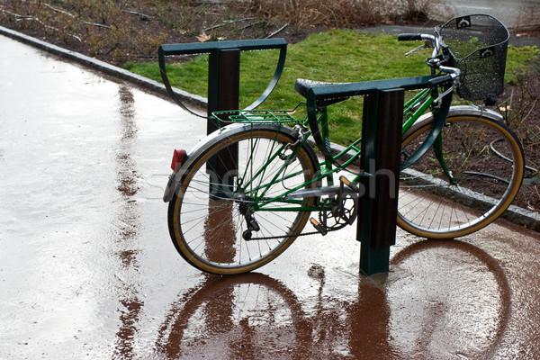 Regen retro fiets straat weg fiets Stockfoto © naumoid