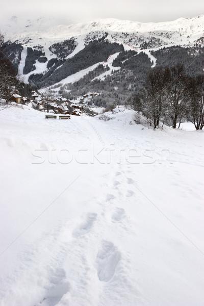 Huellas ladera nieve líder esquí Resort Foto stock © naumoid