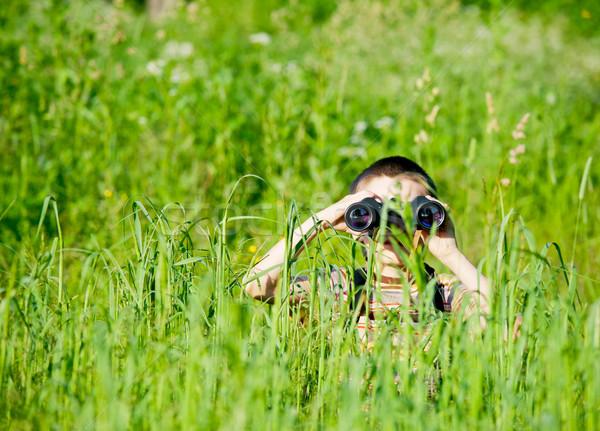 çocuk alan bakıyor dürbün çim Stok fotoğraf © naumoid