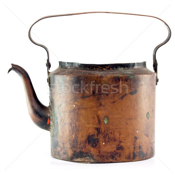 Starych miedź czajnik herbaty puli biały Zdjęcia stock © naumoid