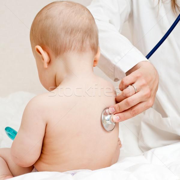 Arts examen examens zuigeling stethoscoop vrouw Stockfoto © naumoid