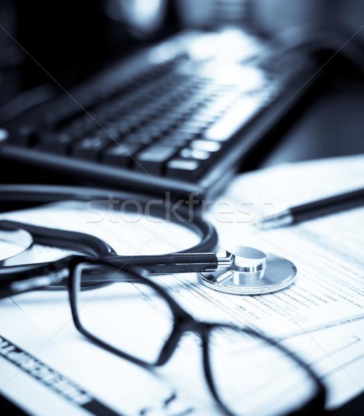 Médicos estetoscopio prescripción forma gafas pluma Foto stock © naumoid