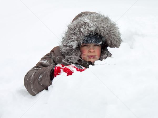 Criança jogar neve inverno Foto stock © naumoid