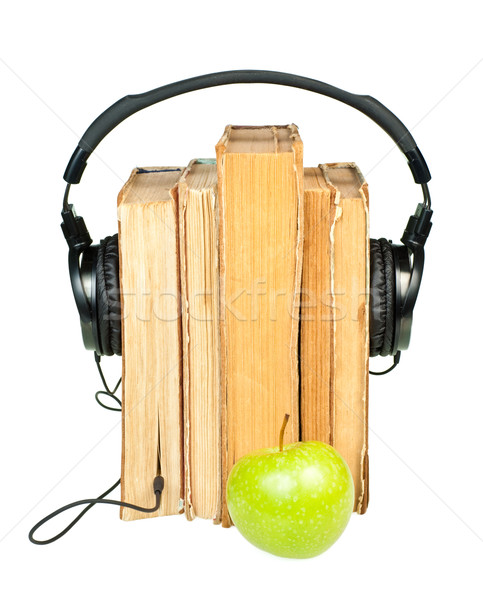 Hoofdtelefoon oude boeken groene Stockfoto © naumoid