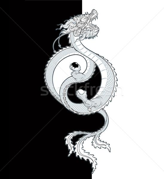 Távolkeleti sárkány repülés tart kettő gömbök Stock fotó © nazlisart