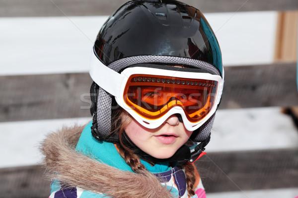 Kopf Schutz Mädchen tragen Skifahren Helm Stock foto © ndjohnston
