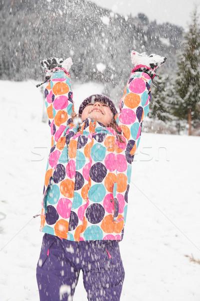 Kız oynama kar Stok fotoğraf © ndjohnston