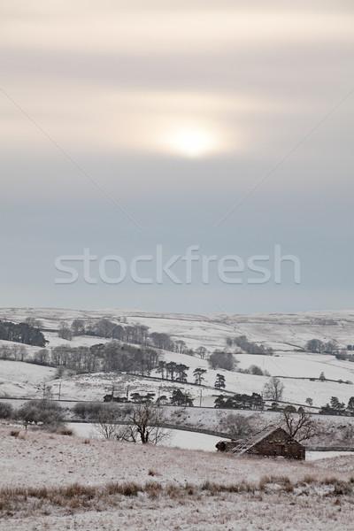 Taş Bina eski kış alan güneş Stok fotoğraf © ndjohnston