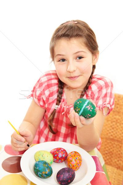 Mädchen gemalt Osterei Stock foto © ndjohnston