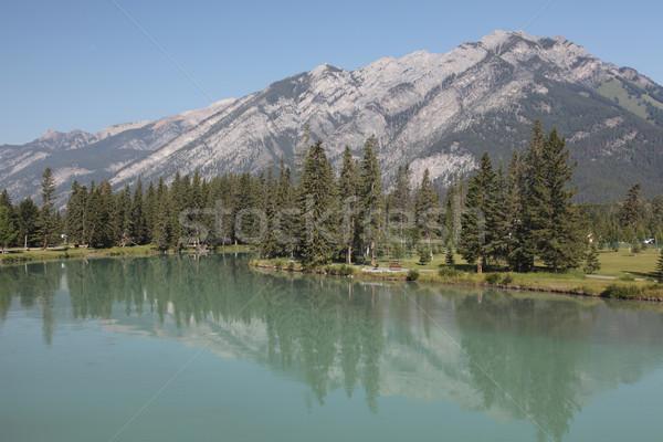 Göl dağlar mavi Stok fotoğraf © ndjohnston