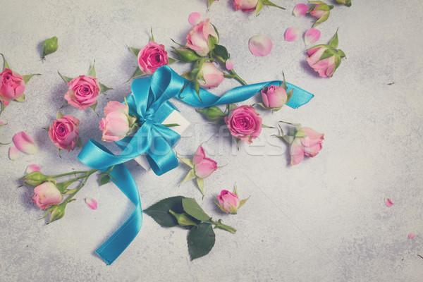 Szkatułce satyna łuk kwiaty niebieski wzrosła Zdjęcia stock © neirfy