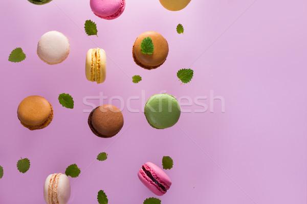 Cookies rosa caer menta hojas espacio de la copia Foto stock © neirfy